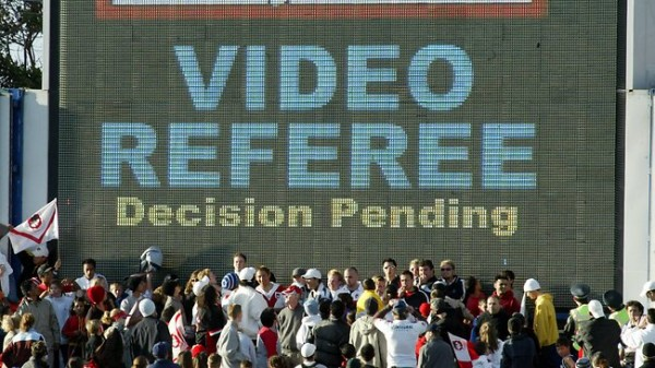 video referee 600x337 Luis Suarez Penalty Incident Shows that Video Replay Technology May Not Help After All