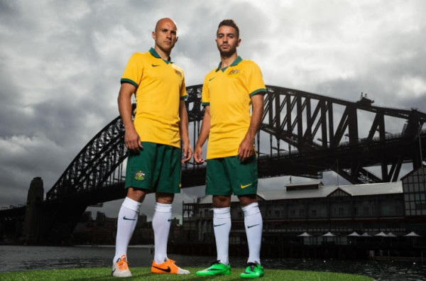 australia home shirt world cup 600x396 Australia Home Shirt For World Cup 2014: Official [PHOTOS]