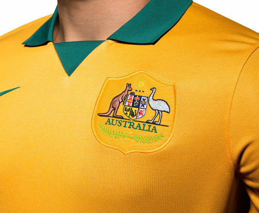 australia world cup shirt crest Australia Home Shirt For World Cup 2014: Official [PHOTOS]