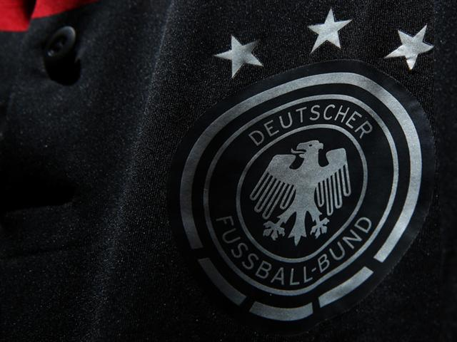 germany away shirt crest Germany Away Shirt For World Cup 2014: Official [PHOTOS]
