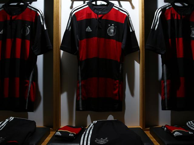 germany away shirt world cup dressing room Germany Away Shirt For World Cup 2014: Official [PHOTOS]