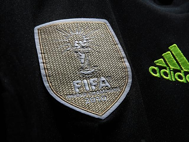 spain world cup badge Spains Away Shirt For the 2014 FIFA World Cup Is Black and Neon: Official [PHOTOS]