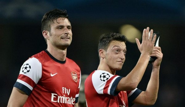 Giroud Ozil 600x347 Why Does It Continue To Go Wrong For Arsenal?