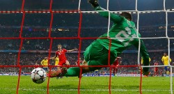 Arsenal's Fabianski saves a penalty
