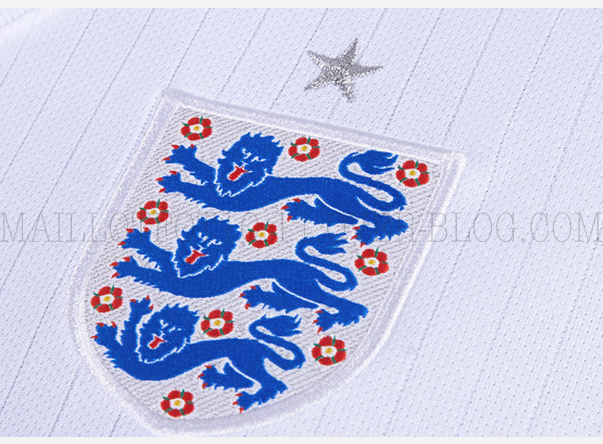 england-world-cup-shirt-crest
