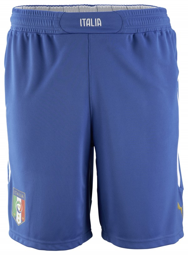 italy world cup shorts 600x813 Italy and Puma Unveil 2014 World Cup Home and Away Shirts: Official [PHOTOS]