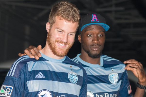sporting kansas city away shirt photoa 600x400 Sporting Kansas City Away Shirt For 2014 MLS Season Revealed: Media Event & Trophy Party [PHOTOS]