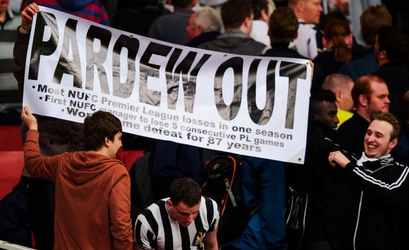 alan pardew out Newcastle Manager Alan Pardew's Future Hanging By a Thread, But Unfortunately Mike Ashley is Holding It