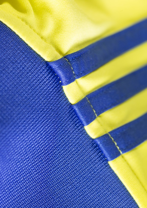 chelsea away shirt close up material blue 600x848 Chelsea Unveil Away Shirt For 2014/15 Season: Official [PHOTOS]
