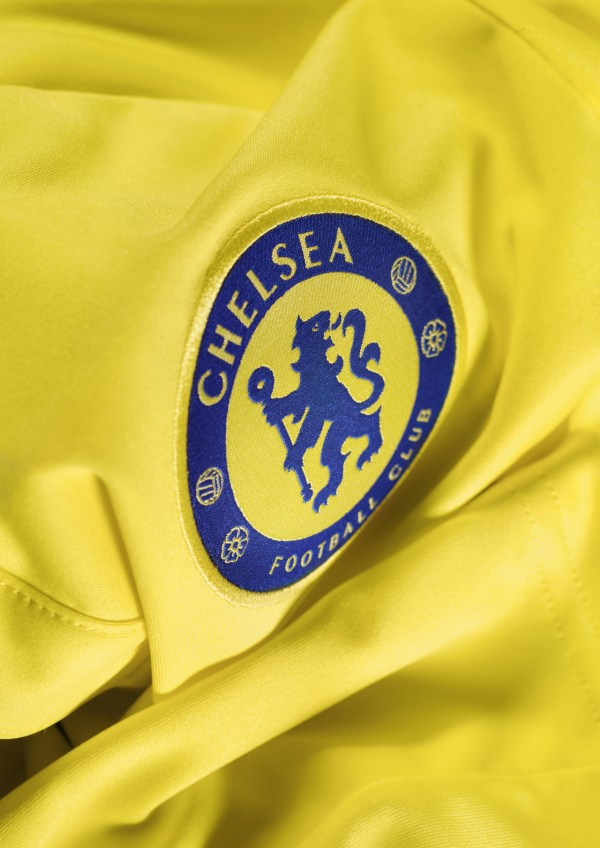 chelsea away shirt crest 600x848 Chelsea Unveil Away Shirt For 2014/15 Season: Official [PHOTOS]