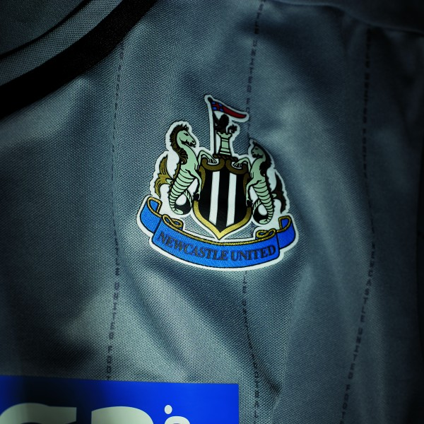 newcastle united crest 600x600 Newcastle United Hit New Low With Gray Away Kit: Official [PHOTOS]