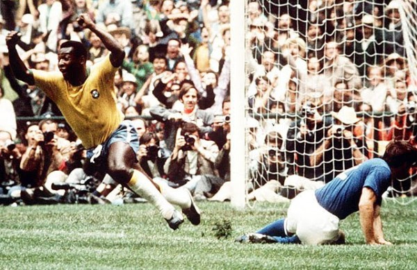 3 Brazil 600x389 Most Exciting World Cup Moments: Number 3   Majestic Brazil Sweep Italy Aside [VIDEO]