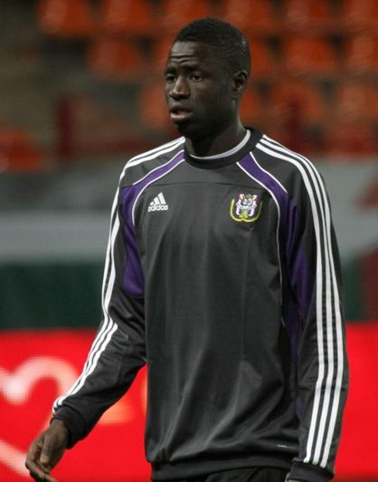Cheikhou Kouyaté 2011 Senegals Cheikhou Kouyaté Signs 4 Year Deal with West Ham United
