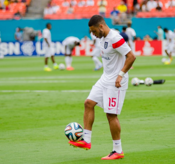 alex oxlade chamberlain training 600x561 England Prepare for World Cup With Warmup Matches in Miami [PHOTOS]