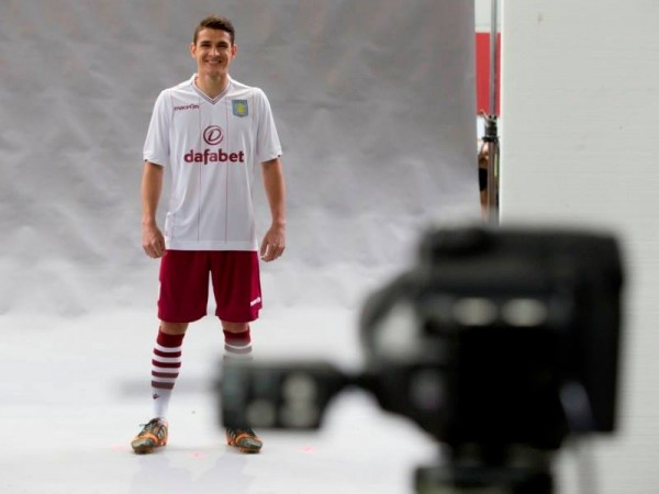 aston villa away shirt 600x450 Aston Villa Unveil Away Shirt For 2014/15 Season: Official [PHOTOS]