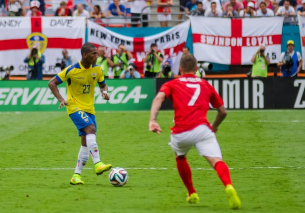 carlos gruezo 600x419 England Prepare for World Cup With Warmup Matches in Miami [PHOTOS]
