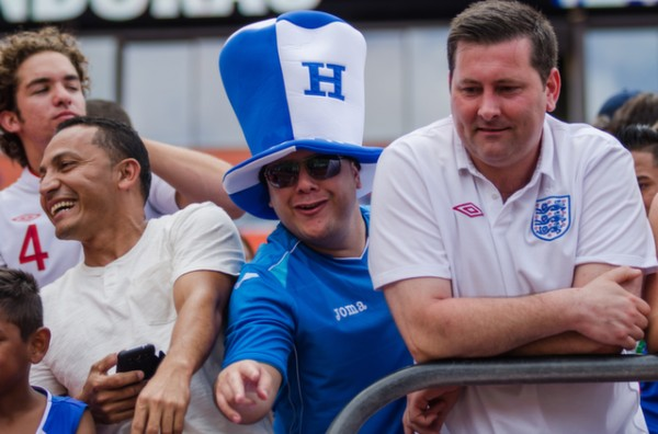 honduras england fans 600x396 Photos From England vs Honduras Friendly In Miami: World Cup Warmup Match