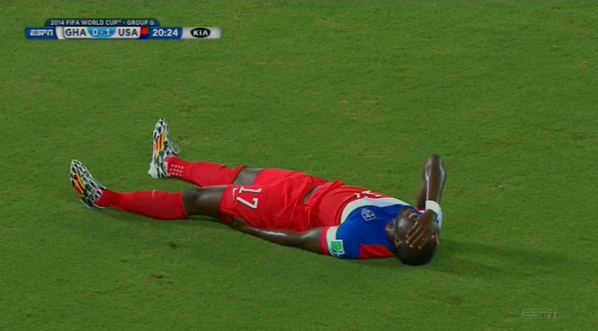 jozy altidore Jozy Altidore Stretchered Off With Hamstring Injury And Replaced With Aron Johannsson [VIDEO]