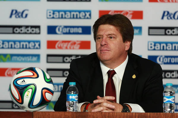 miguel herrera Mexican Coach Miguel Herrera Receives Contract Extension Until 2018