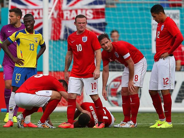 oxlade chamberlain Alex Oxlade Chamberlains World Cup Hopes Hang in the Balance After Injury