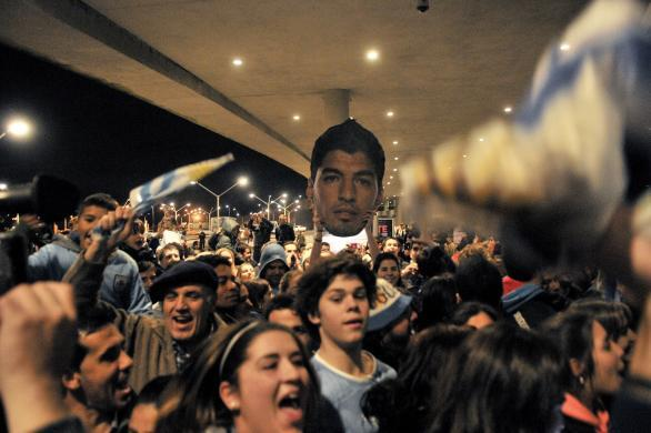 Why Uruguay Losing Against Colombia Would Be A Just Ending to the Luis Suarez Controversy