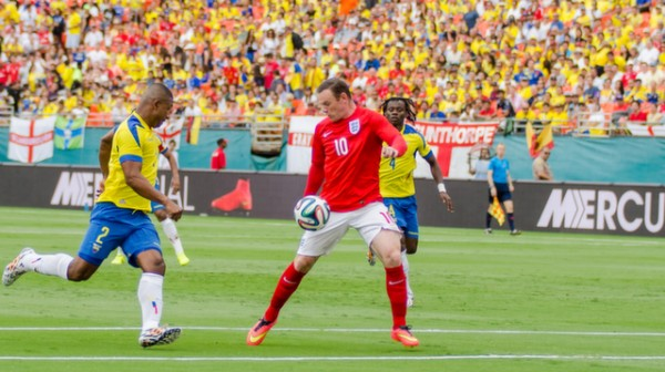 wayne rooney england ecuador 600x336 England Prepare for World Cup With Warmup Matches in Miami [PHOTOS]