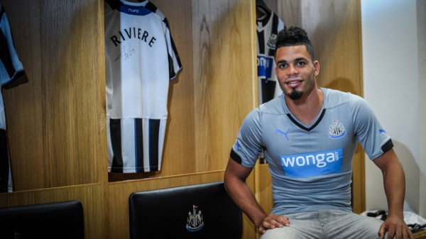 Riviere 600x337 Newcastle United Sign Forward Emmanuel Rivière For Undisclosed Fee