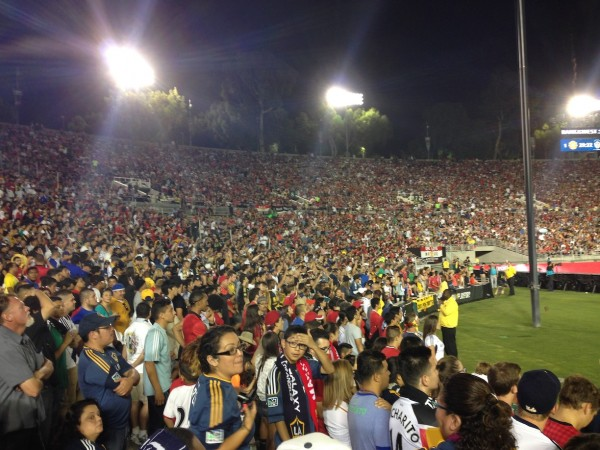 Rose Bowl Angel City Brigade 600x450 LA Galaxy 0 7 Manchester United: What the Matchday Experience Was Like at the Rose Bowl