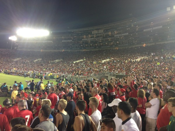 Rose Bowl LA Red Army 600x449 LA Galaxy 0 7 Manchester United: What the Matchday Experience Was Like at the Rose Bowl