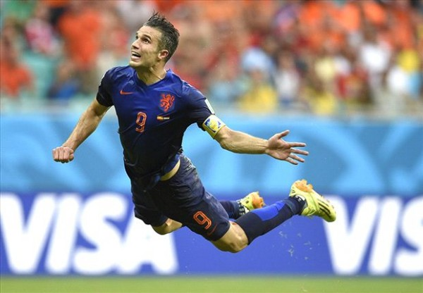 Van Persie 600x416 Netherlands vs Costa Rica Predicted Lineups and Expert Analysis