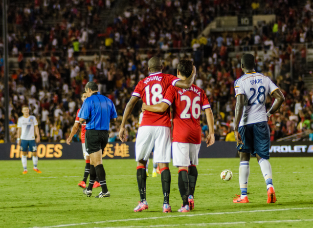ashley young shinji kagawa LA Galaxy 0 7 Manchester United: A Night to Remember For Red Devils Fans [PHOTOS]
