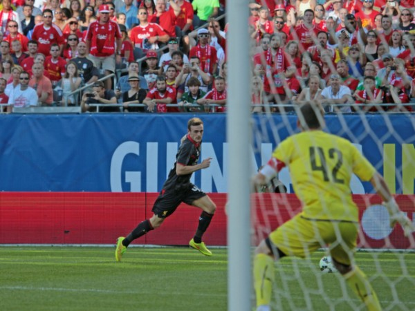 lo17 600x450 Liverpool vs Olympiacos, International Champions Cup Game in Chicago [PHOTOS]