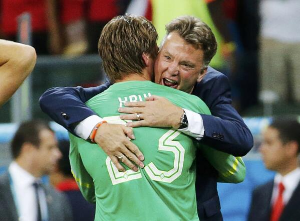 Louis Van Gaal's Genius Tactical Decisions Paying Off For Netherlands