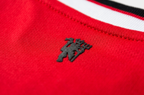 man united home shirt red devils insignia Manchester United Home and Away Shirts For 2014/15 Season: New Leaked [PHOTOS]