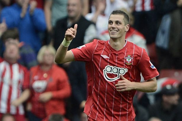 Southampton Midfielder Morgan Schneiderlin Acts Angrily to Talks With Club