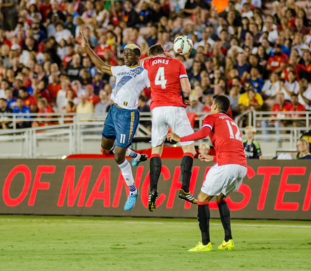 phil jones LA Galaxy 0 7 Manchester United: A Night to Remember For Red Devils Fans [PHOTOS]