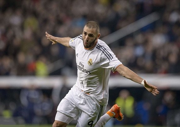 Benzema1 Karim Benzema Extends His Contract With Real Madrid