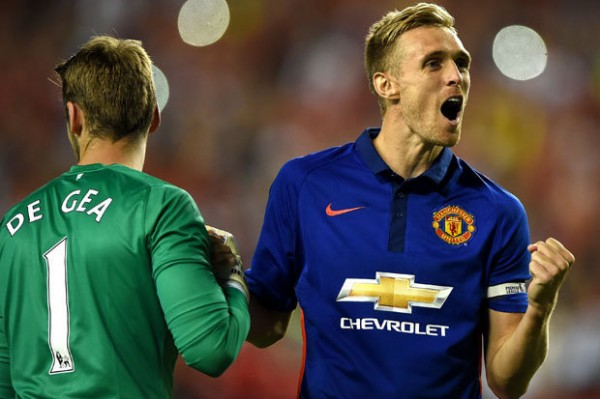 Manchester United tell Darren Fletcher he can leave on a free transfer
