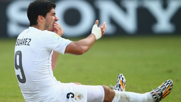 Suarez 600x337 Luis Suarez Ban Expected To Be Reduced, Appeal Heard Today