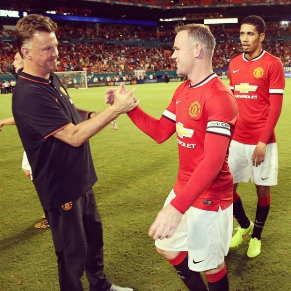 louis van gaal wayne rooney 600x600 Louis Van Gaals 3 5 2 Ultimately Pays Off For Man United Against Liverpool