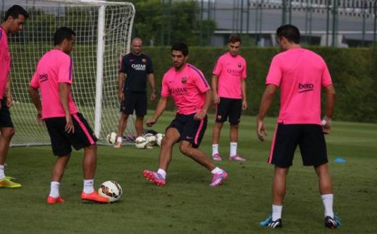 luis suarez Luis Suarez Takes Part In First Training Session With Barcelona [VIDEO]