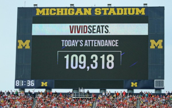 record attendance mufc 600x376 Manchester United 3 1 Real Madrid: International Champions Cup [PHOTOS]