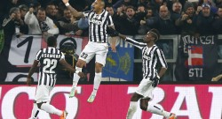 Juventus' Vidal celebrates with teammates after scoring against AS Roma during their Italian Serie A soccer match in Turin