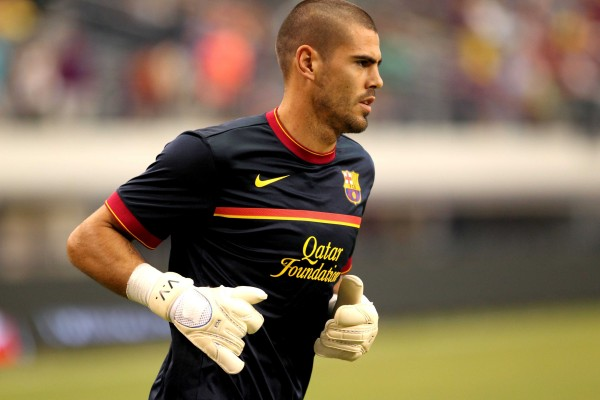 Victor Valdes to Train with Manchester United