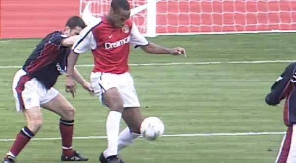 Watch Alex Oxlade-Chamberlain Attempt to Recreate Thierry Henry's Famous Goal Against Man Utd [VIDEO]