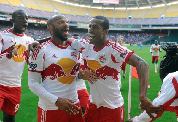 thierry henry 600x412 New York Red Bulls Roll To Victory With Goals From Thierry Henry and Dane Richards