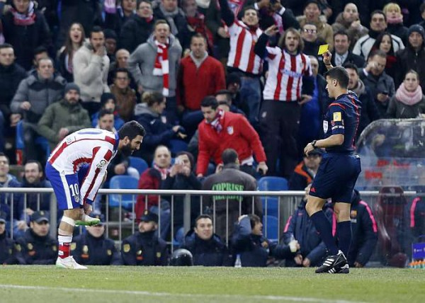 Referee who showed Arda Turan a yellow card for boot throw suspended for two weeks