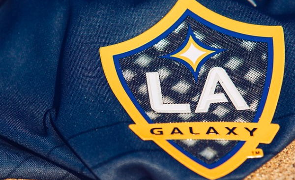 la galaxy 2015 away shirt 600x366 Galaxy Show Signs for the Future in Pan Pacific PK Loss: Beckham Impact Minimal