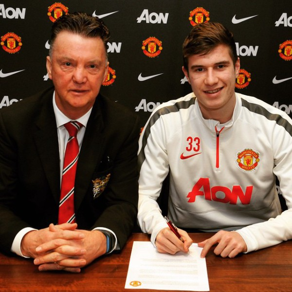 paddy mcnair 600x600 Paddy McNair signs new deal with Manchester United