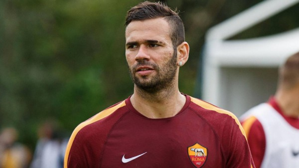 AS Roma defender Leandro Castan nearing return following brain surgery